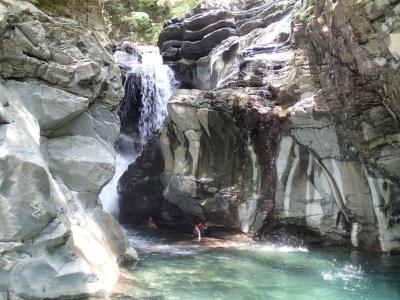 shikoku falls upper back2.jpg